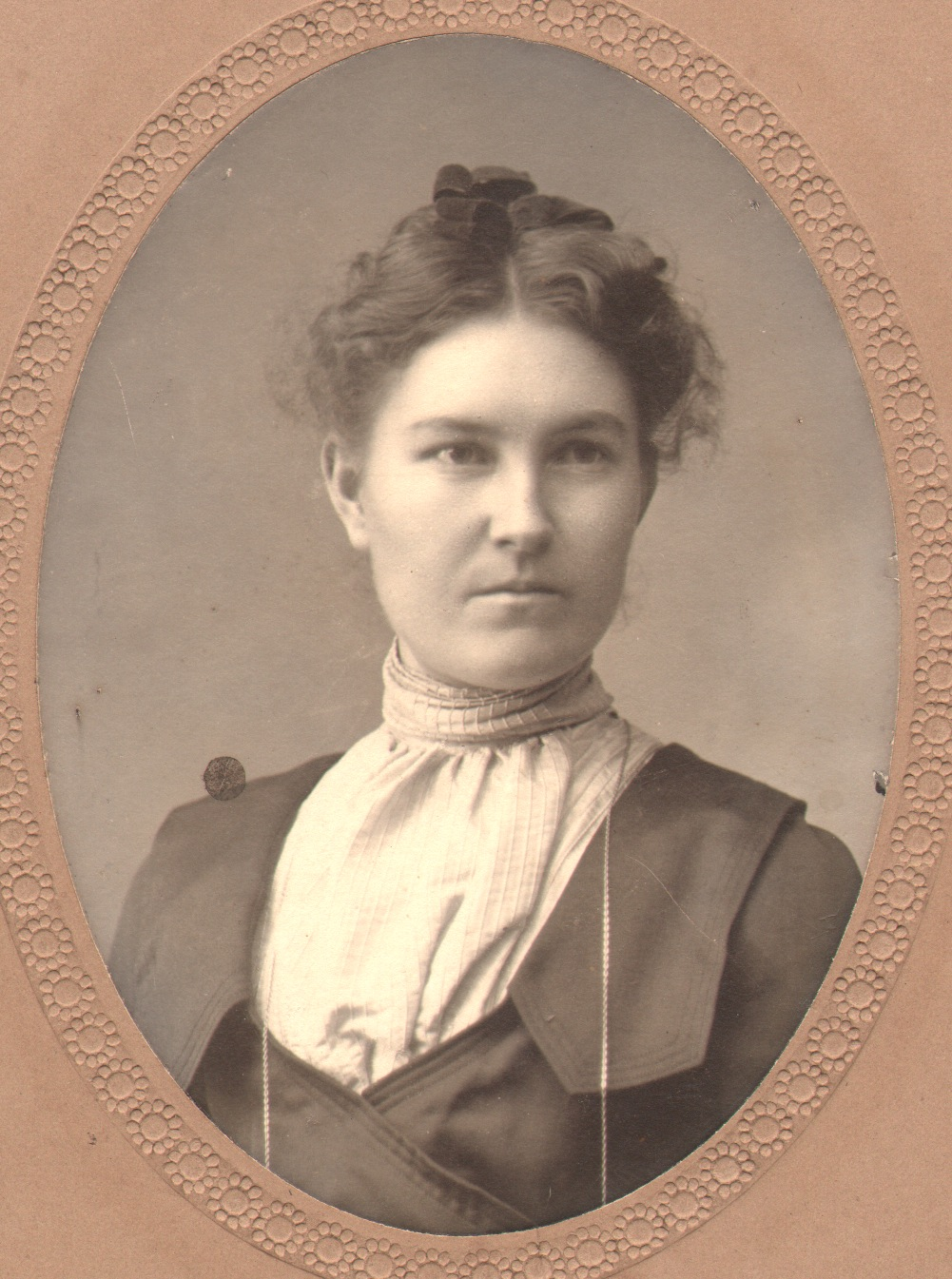 Dolores GRIFFIN About 30